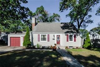 House for sale in 11 Brewster Drive, Warwick, RI, 02889