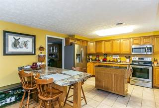 Single Family for sale in 120 Picnic Hill Loop, Irvine, KY, 40336