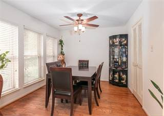 Townhouse for sale in 727 Bunker Hill Road 105, Houston, TX, 77024