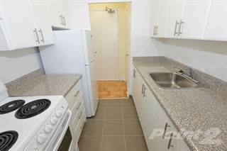 Apartment for rent in 82 Warren Road - 1 bedroom, walk-in closet, Toronto, Ontario