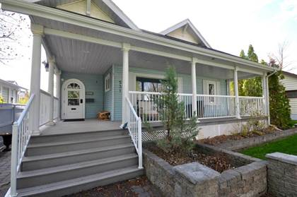 Residential Property for sale in 531 15 Street S, Lethbridge, Alberta, T1J 2Z6
