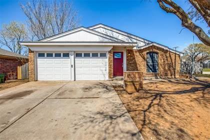 Residential for sale in 5100 Hawkins Cemetery Road, Arlington, TX, 76017