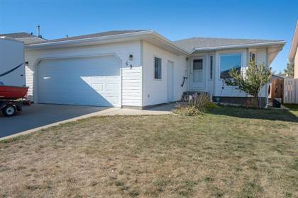 Residential Property for sale in 69 Mt Rundle Way W, Lethbridge, Alberta, T1K 7B8