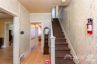 Residential Property for sale in 18 Burton Street, Hamilton, Hamilton, Ontario, L8L 3P8