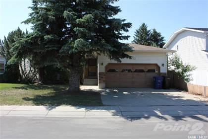 Residential Property for sale in 703 Swan CRESCENT, Saskatoon, Saskatchewan, S7J 5C3