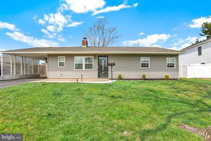 Residential Property for sale in 219 LAKESIDE DR, Levittown, PA, 19054