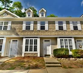 Townhouse for sale in 5620 Katherine Court, Dallas, NC, 28034