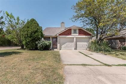 Residential for sale in 1411 Woodfern Drive, Arlington, TX, 76018