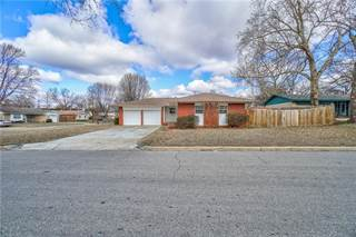 Single Family for sale in 7137 NW 7th Street, Oklahoma City, OK, 73127