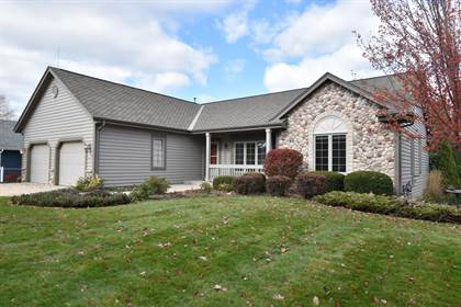Residential Property for sale in 12372 W Crossing Blvd, Greenfield, WI, 53228