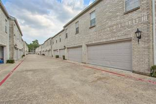 Townhouse for sale in 17499 Red Oak Drive 7499, Houston, TX, 77090