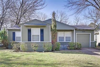 Residential for sale in 1212 Marshalldale Drive, Arlington, TX, 76013