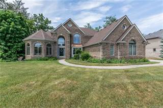 Single Family for sale in 1896 ROYAL BIRKDALE Drive, Oxford, MI, 48371