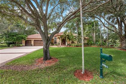 Residential for sale in 3501 Fairfax Ln, Davie, FL, 33330