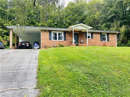 Residential Property for sale in 1755 Madison Avenue, Mount Airy, NC, 27030