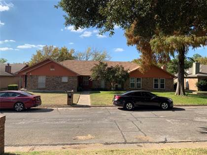 Multifamily for sale in 604 Lost Springs Court, Arlington, TX, 76012