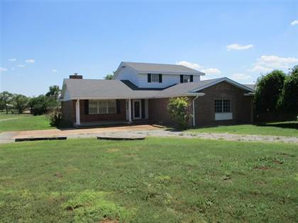 Residential Property for sale in 404 W Benton Ave, Sayre, OK, 73662