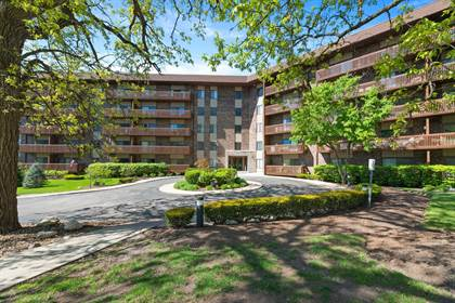 Residential Property for sale in 120 Lakeview Drive 315, Bloomingdale, IL, 60108