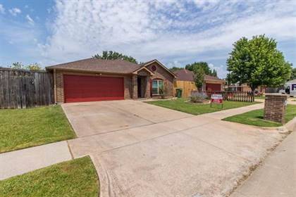 Residential for sale in 7002 Snowivy Court, Arlington, TX, 76001