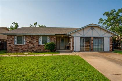 Residential for sale in 2329 SW 103rd Terrace, Oklahoma City, OK, 73159