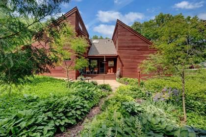Residential for sale in 1955 Hythe Street, Roseville, MN, 55113