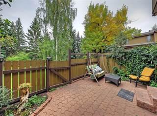 Condo for sale in 3131 63 AV SW, Calgary, Alberta