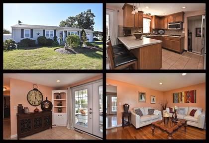Residential for sale in 10 Walker Road, Warwick, RI, 02889