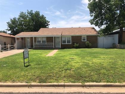 Residential Property for sale in 405 SW Ave D, Seminole, TX, 79360