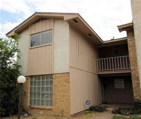 Townhouse for sale in 1402 S Carrier Parkway 104, Grand Prairie, TX, 75051