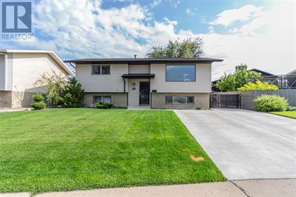 Single Family for sale in 46 Rossland Road SE, Medicine Hat, Alberta, T1B2M4