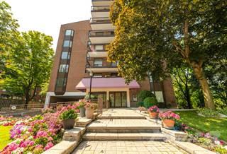 Apartment for sale in 966 Queenston Road, Hamilton, Ontario, L8G 1B7