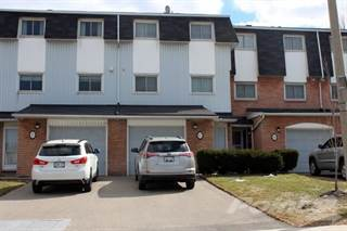Condo for sale in 17 GLEN VISTA Drive, Hamilton, Ontario, L8K 6L6