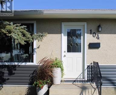 Single Family for sale in 104 Hull Crescent NE, Medicine Hat, Alberta, T1C1E1