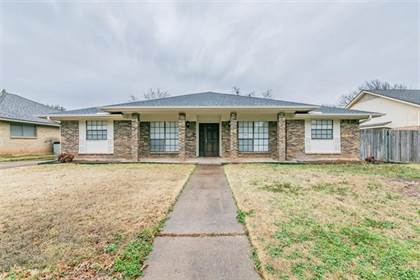 Residential for sale in 1109 Purdue Drive, Arlington, TX, 76012
