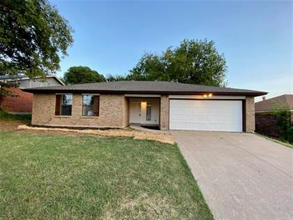 Residential for sale in 6414 Springfield Drive, Arlington, TX, 76016