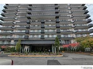 Condo for sale in 15801 PROVIDENCE Drive 1A, Southfield, MI, 48075
