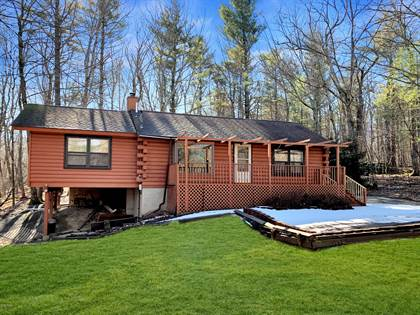 Residential for sale in 106 Rhododendron Ln, Milford, PA, 18337
