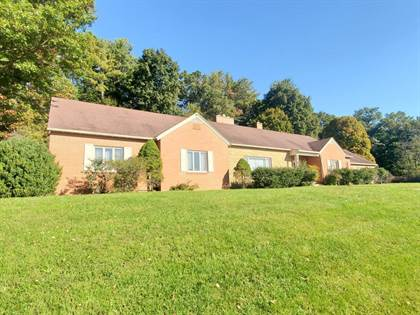 Residential Property for sale in 1002 W Stuart DR, Galax, VA, 24333