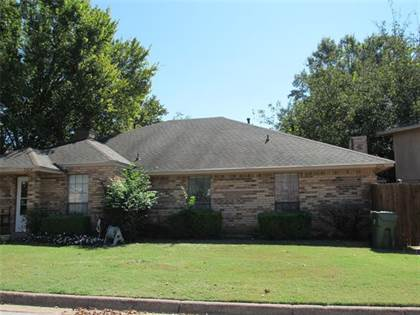 Multifamily for sale in 2426 Kingsford Court, Arlington, TX, 76017