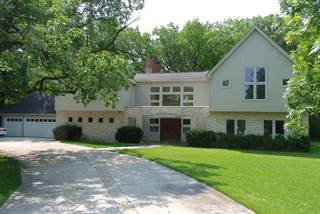 Photo of 919 Northwoods Road, Deerfield, IL