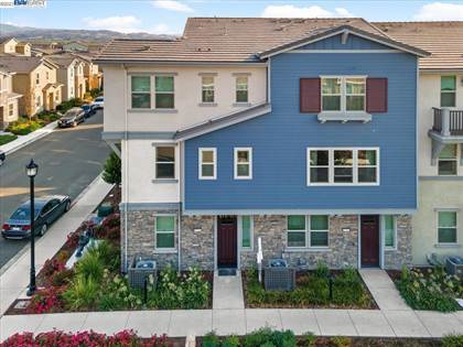 Residential Property for sale in 3050 Threecastles Way, Dublin, CA, 94568