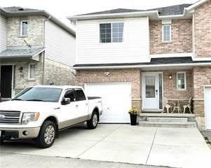 Residential Property for sale in 18 VENNIO Lane, Hamilton, Ontario, L9B 2Y7