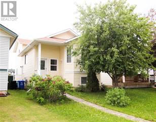 Single Family for sale in 417 Diefenbaker Drive, Fort McMurray, Alberta, T9K2K4