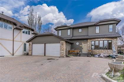 Residential Property for sale in 366 Wakaw CRESCENT, Saskatoon, Saskatchewan, S7J 4E2