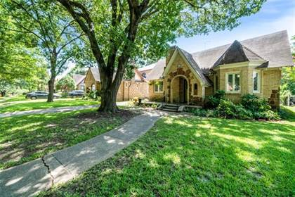Residential for sale in 1407 S Montreal Avenue, Dallas, TX, 75208