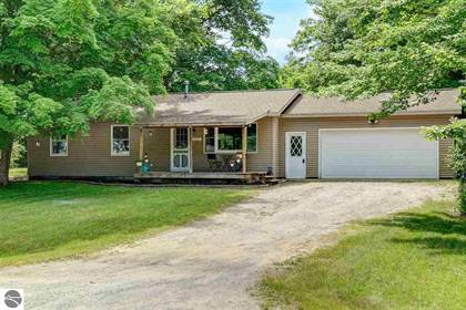 Residential Property for sale in 4635 S Manor Wood Drive, Traverse City, MI, 49684