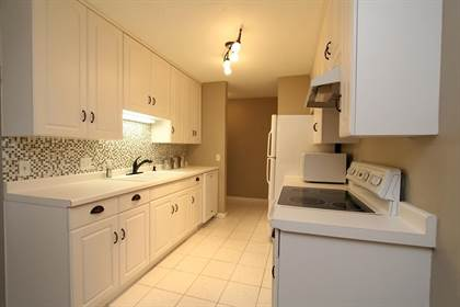 Residential for sale in 4009 Heritage Hills Drive 105, Bloomington, MN, 55437