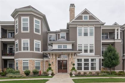 Residential for sale in 50 West KENNEDY Lane 303, Hinsdale, IL, 60521