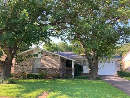 Residential for sale in 310 Shorewood Drive, Duncanville, TX, 75116