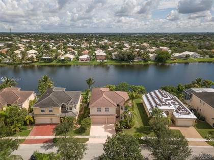 Residential Property for sale in 16295 SW 14th St, Pembroke Pines, FL, 33027